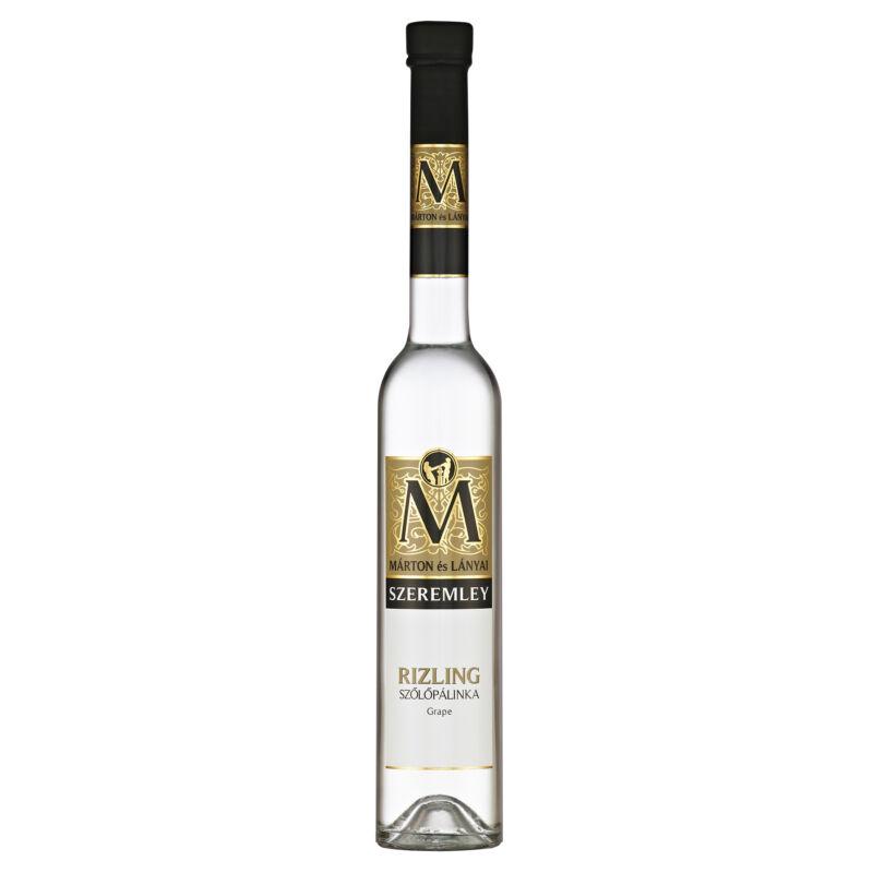 Pálinkashop-Márton és lányai szeremley rizling szőlő pálinka-pálinkashop